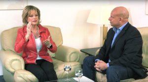 Lisa Fitz: Die ganze Geschichte ist eine einzige Kette von Verschwörungen + Video
