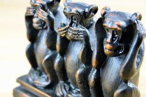Wovor warnen die drei Affen?